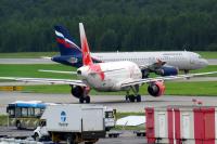 VIM Airlines Airbus A319-111 Pulkovo - St. Petersburg - (ULLI / LED), Russia VP-BDY cn:2442 Август 1, 2016  Taras Bazhanskiy