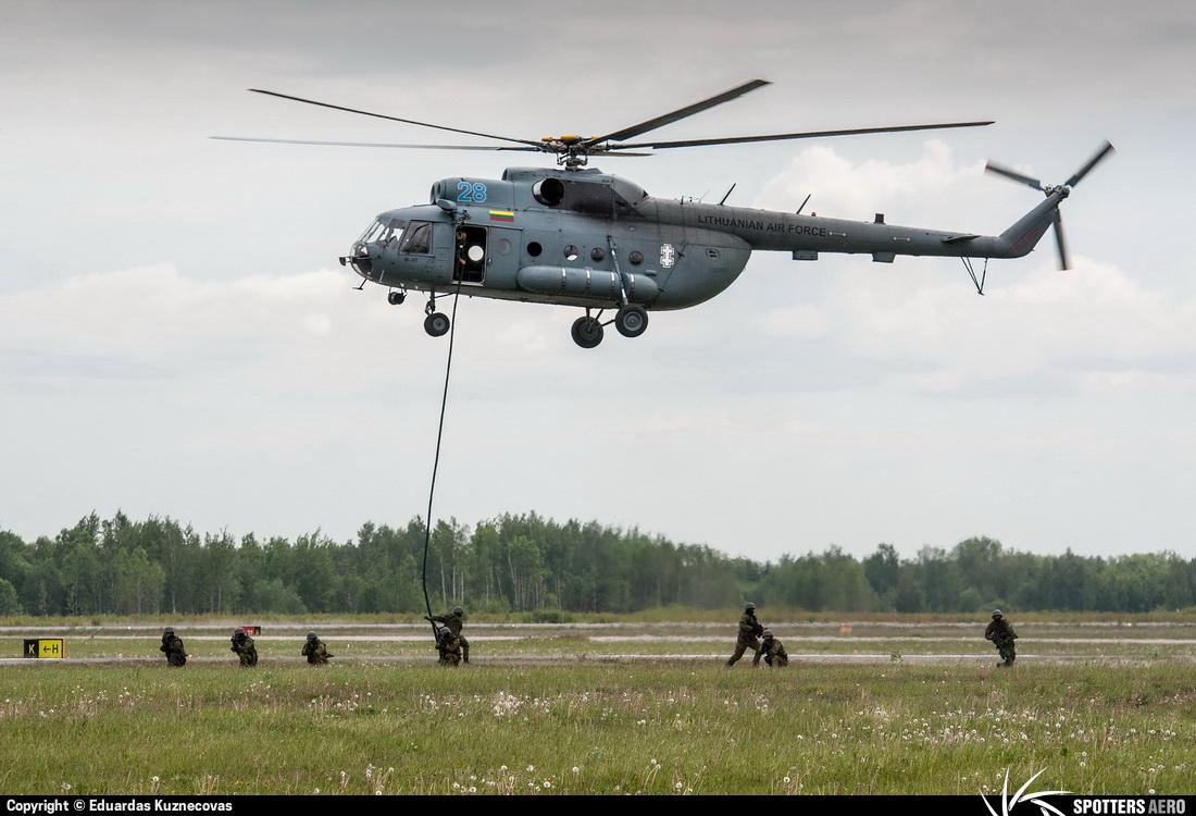 Armée lituanienne/Lithuanian Armed Forces - Page 2 0000071255_large